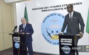 Les deux ministres lors du point de presse