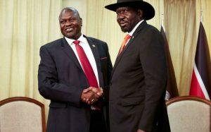Salva Kiir et Riek Machar lors d'une rencontre au palais présidentiel sud-soudanais le 19 octobre 2019. © Alex McBride, AFP