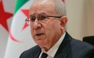 Le ministre des Affaires étrangères algérien Ramtane Lamamra lors d'une conférence de presse à Alger le 24 août 2021 (image d'illustration). © AFP