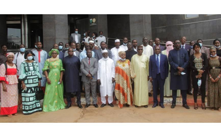Les participants à la rencontre