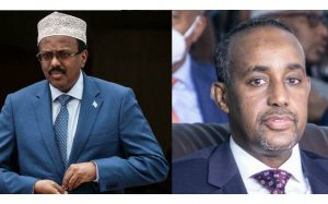 Le présiden somalien Mohamed Abdullahi Mohamed (G), avant un discours à Djibouti le 5 juillet 2018 et le Premier ministre somalien Mohamed Hussein Roble (D) à une cérémonie à Mogadiscio en Somalie, le 27 mai 2021. afp.com - Yasuyoshi CHIBA, Abdirahman Yusuf