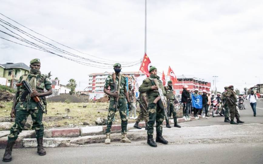 Des soldats congolais près du siège du gouverneur du Nord-Kivu, à Goma, le 10 mai 2021. afp.com - ALEXIS HUGUET