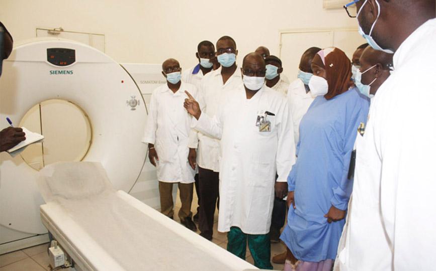 La délégation a visité le scanner et la radiographie médicalisée du CHU de Kati