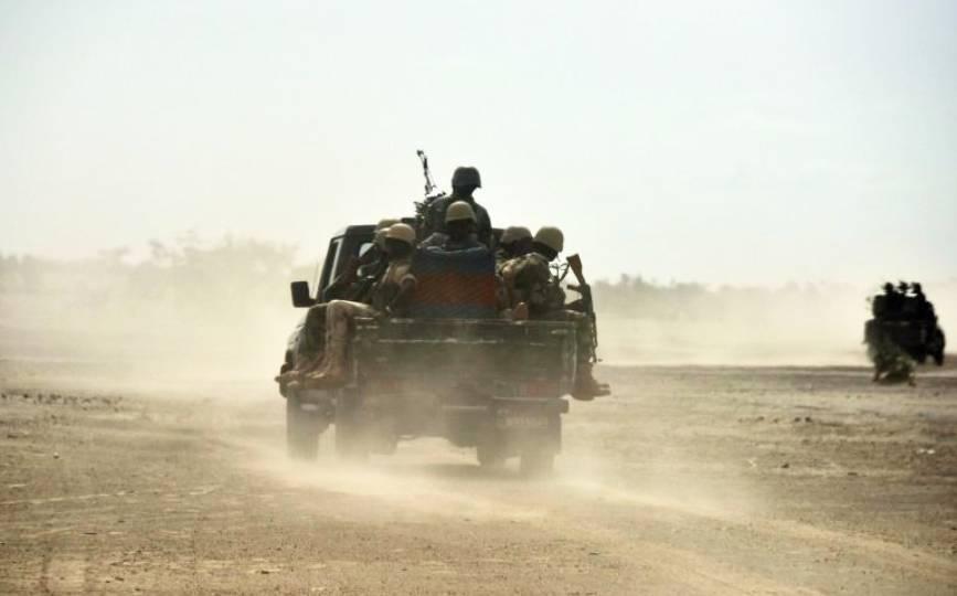 Des soldats en patrouille au Niger, en 2016. afp.com - ISSOUF SANOGO