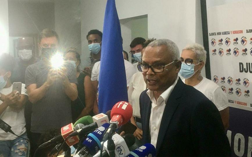 José Maria Neves, dimanche soir 17 octobre à son siège de campagne, promet d'être un président «qui unit et qui protège». © Charlotte Idrac/RFI