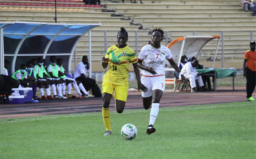 Aïssata Traoré (en jaune) a marqué à l'aller et au retour